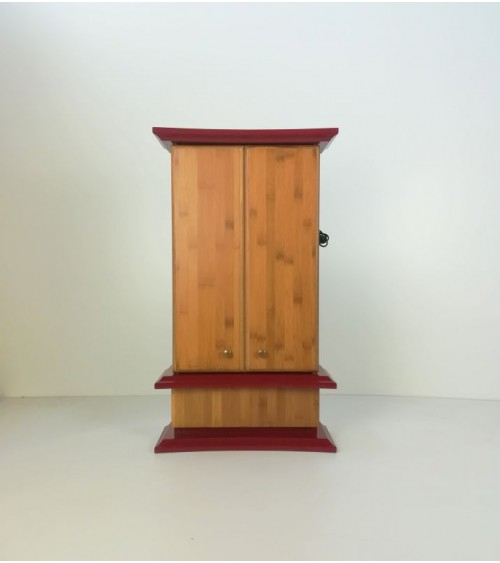 Flora Red Edition with bamboo doors